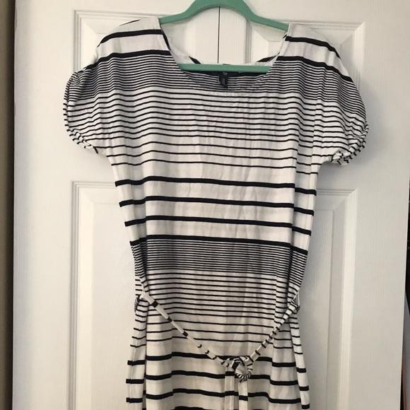 GAP Dresses & Skirts - Gap white and dark blue stripped short dress